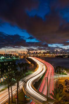 Top Ten Places to Photograph in Miami Beach - Edin Chavez Photography Miami Sunset, Miami Beach, Visit Florida, Miami Florida, Miami Pictures, Places To Travel, Places To Visit, Miami Skyline, Continents