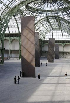 'promenade' by richard serra at paris' grand palais
