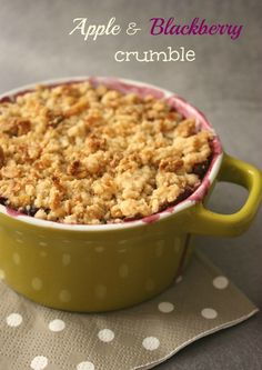 Apple and Blackberry Crumble @HomeLifeAbroad.com #recipe #appleandblackberrycrumble #crumble