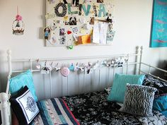 Such a sweet girl's room    Olivia's garland by sweet sweet life, via Flickr