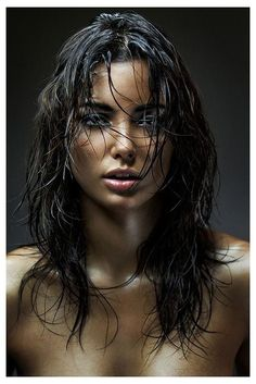 Wet Look Hair Photoshoot - Hair Style Now Girl Face, Woman Face, Beautiful Eyes, Gorgeous Women, Beautiful People, Brunette Beauty, Wet Hair, Wet Look Hair, Interesting Faces