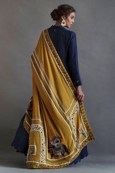 Shop a wide selection of women's suits and separates at Nida Azwer. Stylish Dress Designs, Stylish Dresses, Simple Dresses, Dresses With Sleeves, Dress Indian Style, Indian Dresses, Pakistani Dresses, Indian Designer Outfits, Designer Dresses