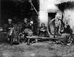 La #tradición #textil en #Cantabria. http://trashumandovoy.blogspot.com.es/2014/02/la-textileria-tradicional-en-cantabria.html La historia de un libro de investigación