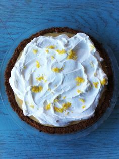 bake shop: lemon cream pie with biscoff cookie crust