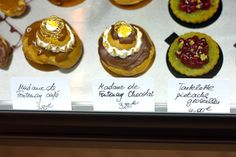 Gluten Free Bakery in Paris  Helmut Newcake  36, rue Bichat (10th)  Tél: 09 82 59 00 39    (Open Tuesday through Saturday, Noon to 9pm, Sunday from 10am to 6pm.)