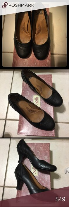 Sofft black pump shoes Worn only once. In excellent condition black sofft pump shoes Sofft Shoes Heels