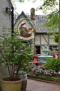 Donut Friar in Gatlinburg has delicious donuts, pastries, and cinnamon bread; made fresh daily on the premises.