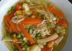 Tavaszi zöldségleves   Bianca receptje - Cookpad receptek Japchae, Thai Red Curry, Ramen, Japanese, Chicken, Ethnic Recipes, Food, Japanese Language, Essen