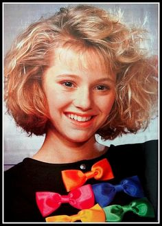 Looks annees 80 mode OK magazine Magali Madison. 80s Hair, Mullets, Hairspray, Perm, 80s Fashion, Kitsch, Old School, 1980s, Hair Bows
