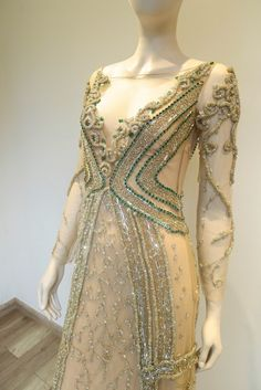 get_inspired-fabiana_milazzo-vestido-longo-nude-bordado-pedras-verdes-canutilhos-micangas-loja