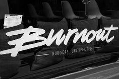 Burnout (Unexpected Burgers) - Ven y prueba el placer de comer una buena hamburguesa con los amigos. Nike Logo, Logos, A Logo, Legos