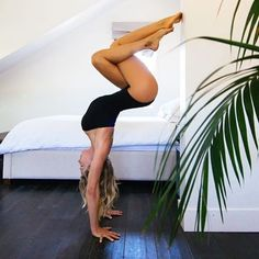 bananablondie108 on Intagram #Yoga Mais