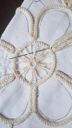 Вяжем, Вяжем, Вяжем (Вязание)!!! — Разное | OK.RU Hardanger Embroidery, Hand Embroidery Stitches, Embroidery Techniques, Ribbon Embroidery, Crochet Cord, Filet Crochet, Irish Crochet, Crochet Lace, Romanian Lace