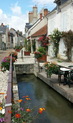 Beaugency Cindys side