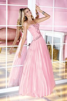 Shop classic ball gowns and ball gown prom dresses at PromGirl. Ballroom gowns, long formal dresses, designer prom ball gowns, plus-sized ball gowns, and ball gown dresses. Dressy Dresses, Formal Evening Dresses, Cheap Dresses, Formal Dress, Formal Wear, Evening Gowns, Prom Dress 2014, Homecoming Dresses, Prom 2014