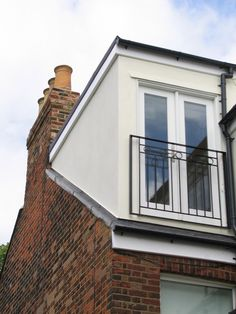 maximise light - juliet balcony for safety www. maximise light - juliet balcony for Juliet Balcony, Bungalow Extensions, House Extensions, Garage Apartment Plans, Garage Apartments, Attic Rooms, Attic Spaces, House Every Weekend, Attic Conversion