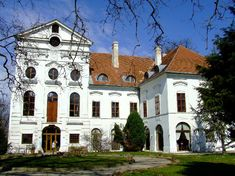 Ebergényi kastély Hungary, Mansions, Landscape, House Styles, Mansion Houses, Villas, Fancy Houses, Palaces, Mansion