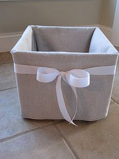 Trendy Ideas For Plastic Milk Crate Diy Fabric Covered Plastic Milk Crates, Crate Cover, Sewing Projects, Diy Projects, Sewing Tutorials, Repurposed, Diy Home Decor, Diy Crafts, Storage Bins