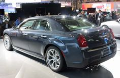 2015 Chrysler 300 unveiled at L.A. Auto Show