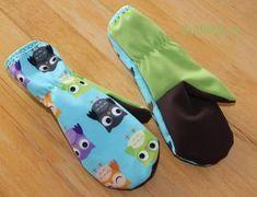 Střih na rukavice palčáky naleznete zdarma ke stažení v příspěvku. Ušito budete mít do hodinky! Flip Flops, Sandals, Shoes, Fashion, Moda, Shoes Sandals, Zapatos, Shoes Outlet, Fashion Styles