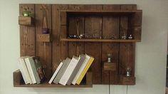 He encontrado este interesante anuncio de Etsy en https://www.etsy.com/es/listing/234435340/pallet-hanging-shelfbook-shelvesdisplay