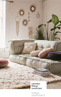 Freema floor cushion –  urban outfitters