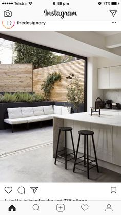Outdoor Kitchen Design Ideas and Decorating Pictures for Your Inspirations - Amazing collection of outdoor kitchen designs to obtain you inspired. Utilize our design ideas to aid produce the exceptional area for your outdoor kitchen home appliances. Indoor Outdoor Kitchen, Outdoor Spaces, Outdoor Seating, Outdoor Kitchens, Outdoor Privacy, Backyard Kitchen, Open Kitchens, Garden Seating, Outdoor Lounge