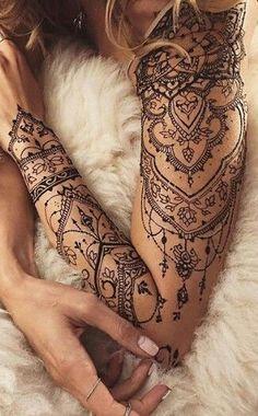 Tatuaje maori antebrazo