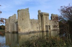 Castles, Châteaux, and Fortresses - Content concerning historic fortifications and palaces. Bodiam Castle, Fortification, Medieval Castle, Christian Life, High Quality Images, Monument Valley, History, Palaces, Castles
