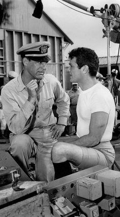 Cary Grant e Tony Curtis in una scena del film Operazione sottoveste. Dir. B. Edwards, 1959.