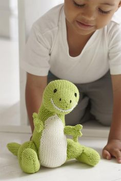Friendly T Rex Canadian Living is the lifestyle brand for Canadian women. Get the best recipes, advice and inspired ideas for everyday living. Knitting Patterns Free Dog, Knitting Blogs, Baby Knitting, Beginner Knitting, Knitting Ideas, Knit Patterns, Free Pattern, Crochet Dinosaur, Dinosaur Pattern