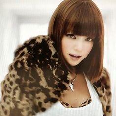 だいすきだ((´∀`*)) どうしても欲しくて、グッズだけ買いに行ったんだよね。 わりとすんなり買えた覚えがあります。 名古屋初日。 きっと大行列かな。 もう、3週間。なんか 緊張します( *ˊ ˋ) チケットないけど( ・∇・) #安室奈美恵 #namielove Pretty Baby, Asian Beauty, Cool Girl, I Am Awesome, Hairstyle, Singer, Glamour, Actresses, Actors