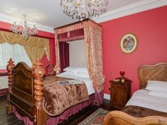 Bedroom | Woodside House, Cadmore End, nr. Stokenchurch