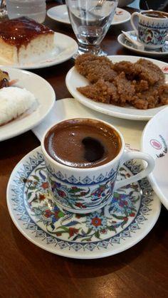 Türk kahvesi - Lale Lokantası