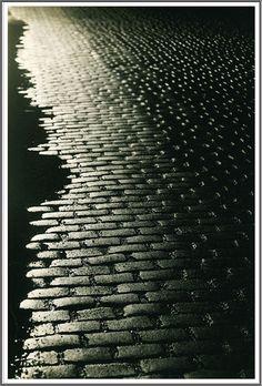 Brassai (1899-1984), Les Pavés - 1931