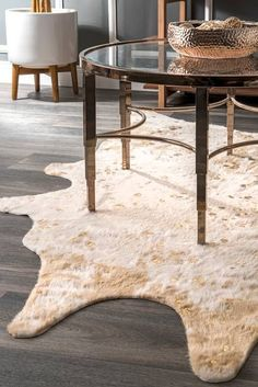 Vaquero Macchiato Faux Cowhide Off White Rug – Braided Rugs Faux Cowhide Rug, Cowhide Bench, Faux Fur Rug, Cowhide Rug Decor, White Cowhide Rug, Rectangle Area, Braided Rugs, Brown Rug, White Rug