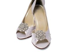Here comes the bride... all dressed in these pearl and crystal rhinestone shoe clips. The darling marriage of luscious cluster of pearls and