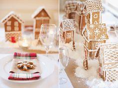 gingerbread village centerpiece!!!! such cuteness :)