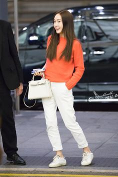 306 best jung sisters airport fashion images in 2019 Snsd Airport Fashion, Snsd Fashion, Korean Fashion, Fashion Outfits, Airport Outfits, Magazine Cosmopolitan, Instyle Magazine, Jessica Jung Fashion, Jessica Jung Style