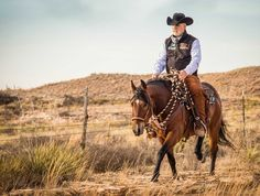 Ranch Riding Transitions for the Win. Perfecting your ranch riding transitions is key to efficient work on the ranch and earning high scores in the arena. Riding Hats, Horse Riding, Riding Helmets, Trail Riding, Riding Clothes, Riding Gear, Equestrian Outfits, Equestrian Style, Equestrian Problems