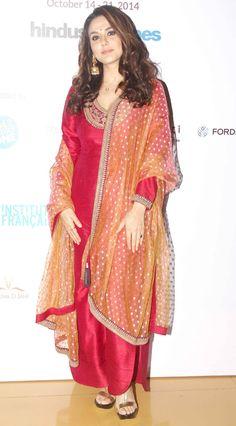 Preity Zinta on Day 5 of the 16th Mumbai Film Festival. #colorinspiration #tailorinspiration #inspiration