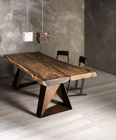 The dining room table and its place among the furniture usually appears the dining room table as the center of the room. In relation to the furniture Live Edge Furniture, Table Furniture, Rustic Furniture, Furniture Design, Wood Table Rustic, Wood Tables, Furniture Plans, Kids Furniture, Office Furniture