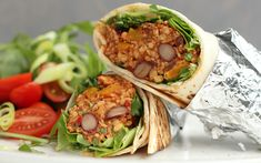 Vegan Burrito, Seitan, Tex Mex, Evening Meals, Burritos, Tofu, Food Inspiration, Tacos, Veggies