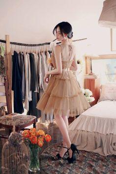daily 2018 feminine& classy look Simple Dresses, Cute Dresses, Cute Outfits, Korean Dress, Korean Outfits, Vestidos Para Baby Shower, Lace Dress Styles, Handmade Dresses, How To Look Classy