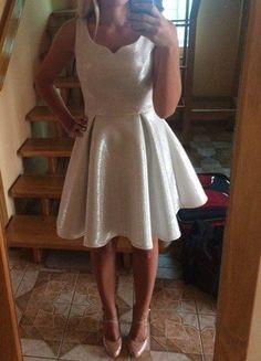 Kup mój przedmiot na #vintedpl http://www.vinted.pl/damska-odziez/sukienki-wieczorowe/15829529-srebrna-polyskujaca-sukienka-studniowka-wesele