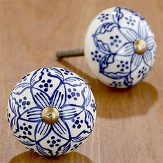 Love these knobs - transform an old white dresser with them x Must have for my old dresser.