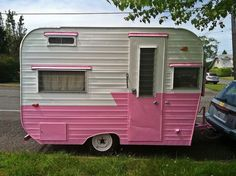 How do you feel about camping? Would your perspective change if you were given the option of camping in an awesome pink camper! Check these campers out! Tiny Trailers, Vintage Campers Trailers, Retro Campers, Vintage Caravans, Camper Trailers, Retro Caravan, Camper Caravan, Shasta Camper, Tiny Camper