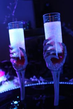 Gourmet Mom on-the-Go: Glow in the Dark Spooky Drinks