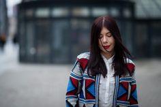 lillymarlenne.blogspot.com  Geometric print jacket + white shirt  #geometric #print #woolenjacket #jacket #elegantlook #elegantstyle #aztecprint #fashionblogger #whiteshirt #classicstyle #redlips #redlipstick #polishgirl #ootd #wiw #łódź
