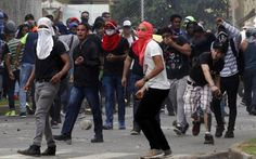 Panamá arde en protestas: 4 estudiantes detenidos y 2 policías ... - El Nuevo Herald